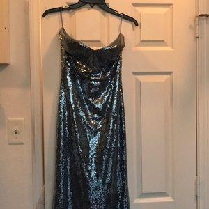 Sequined dress, sweetheart neckline